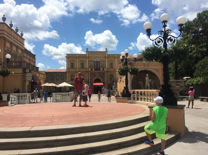 Disney Dining: Via Napoli inside Italy in Epcot